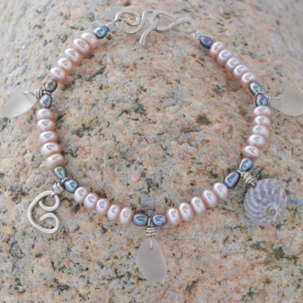 Guernsey seaglass and freshwater pearl bracelet.
