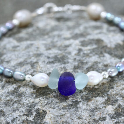 Guernsey sea glass and freshwater pearl bracelet
